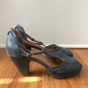 Jeffrey Campbell Peep Toe Platform Heeled Sandal